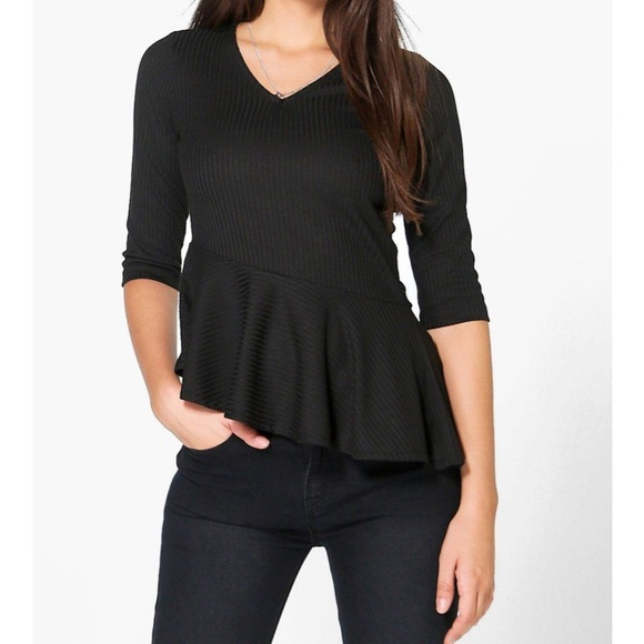 Boohoo Tops - Peplum 3/4 Sleeve Top!